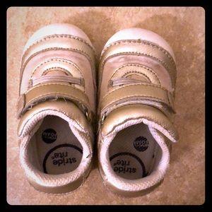 Stride rite toddler girl shoe size 6w